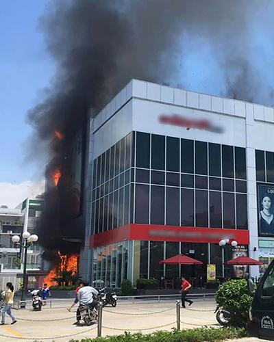 Cháy, trung tâm thương mại, TP Hồ Chí Minh, nhiều người, tháo chạy