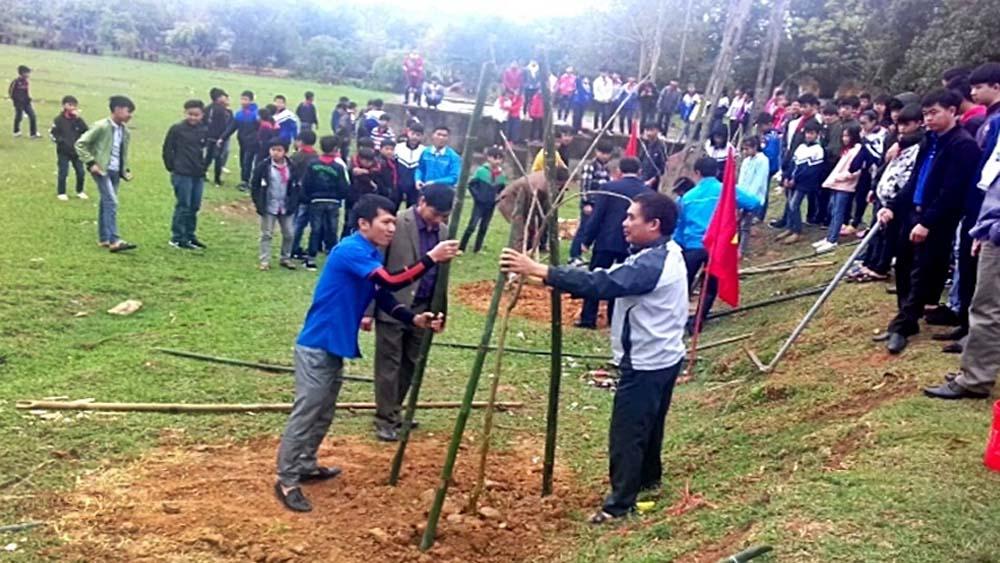 Quang Tiến phát động tết trồng cây và tháng thanh niên
