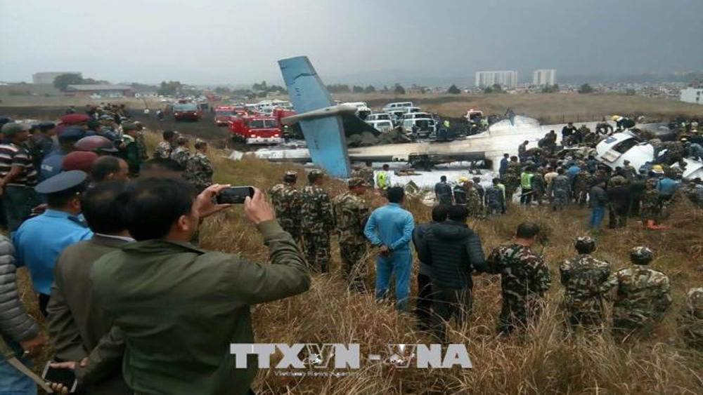 Vụ tai nạn máy bay tại Nepal: Ít nhất 50 người thiệt mạng