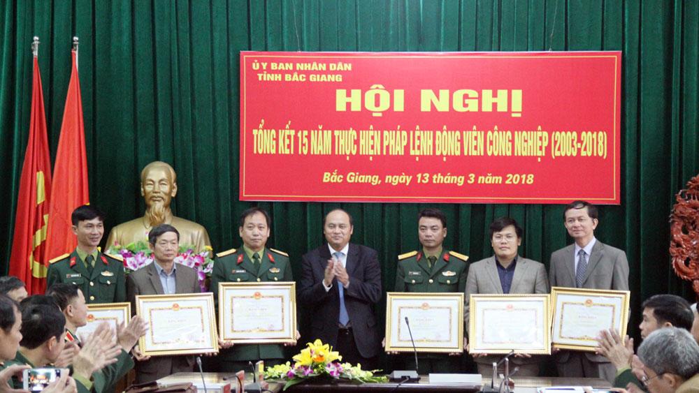 Bắc Giang, Kết hợp,  phát triển KT-XH, xây dựng,  dây chuyền,  động viên,  công nghiệp