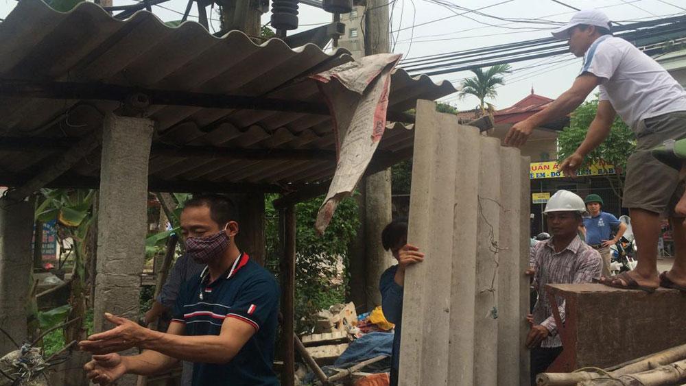 Xã Cảnh Thụy nỗ lực giải tỏa hành lang an toàn giao thông