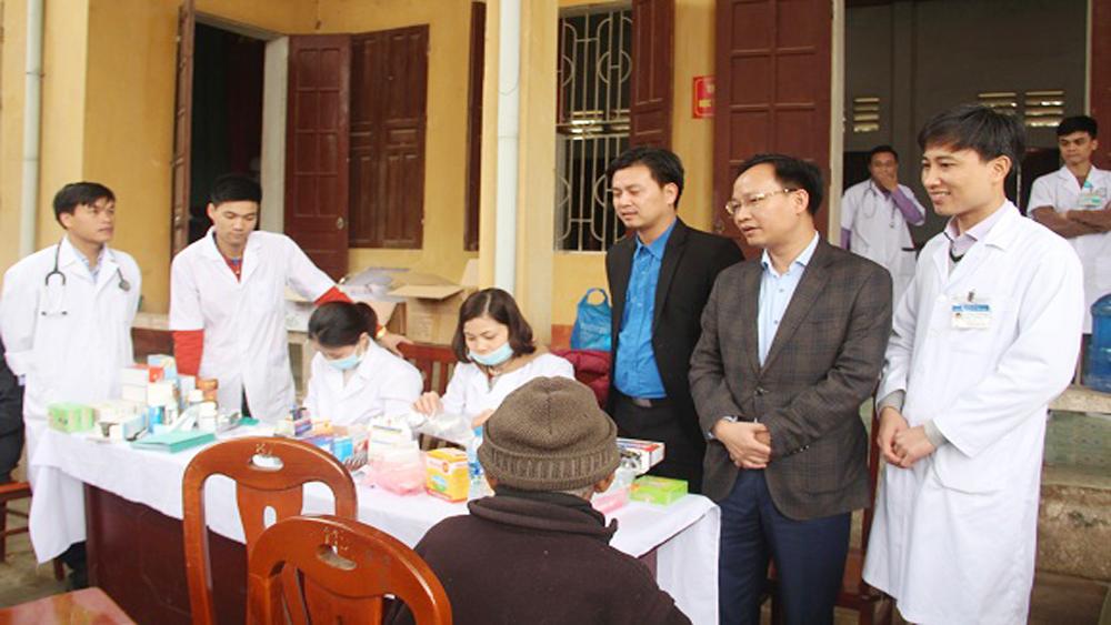 CLB Thầy thuốc trẻ khám, tư vấn sức khỏe cho hơn 2 nghìn lượt người