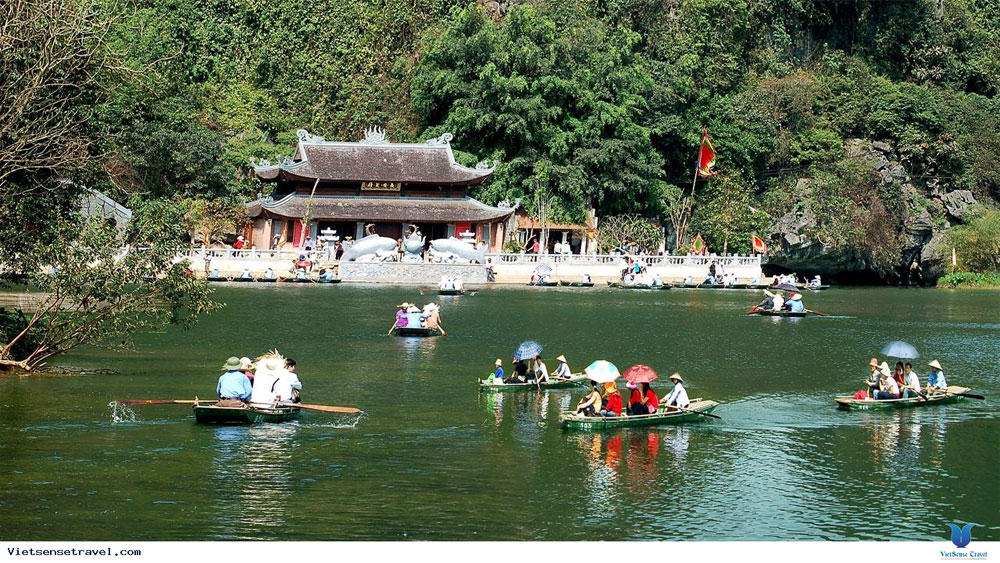 Những điểm du lịch tâm linh thu hút du khách