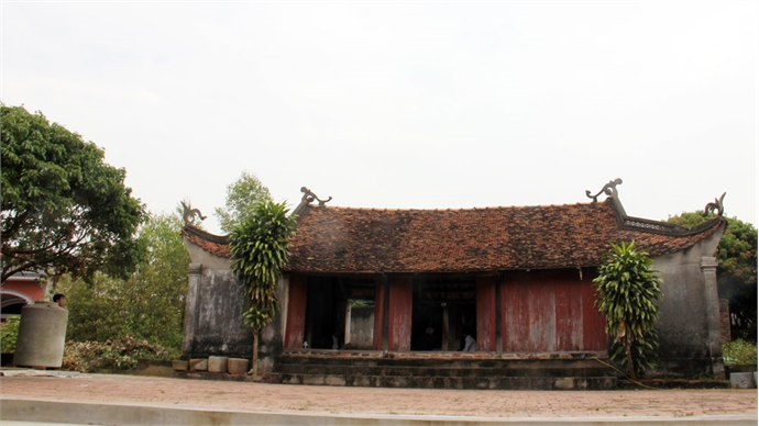 River God worshipping in Trung Lap communal house