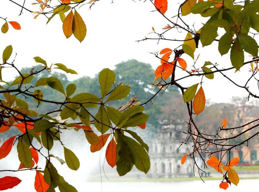 best time, Hanoi, Hoan Kiem Lake, beauty landscape, attractive destination, famous site