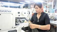 Nữ công nhân với 72 sáng kiến trong lao động