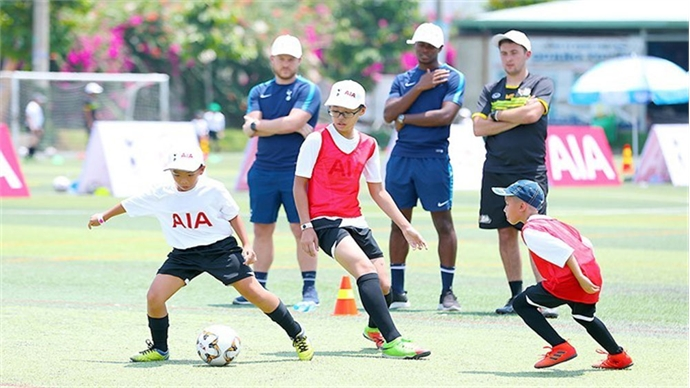 Tottenham coaches touch down in Vietnam to check out young footballing talent