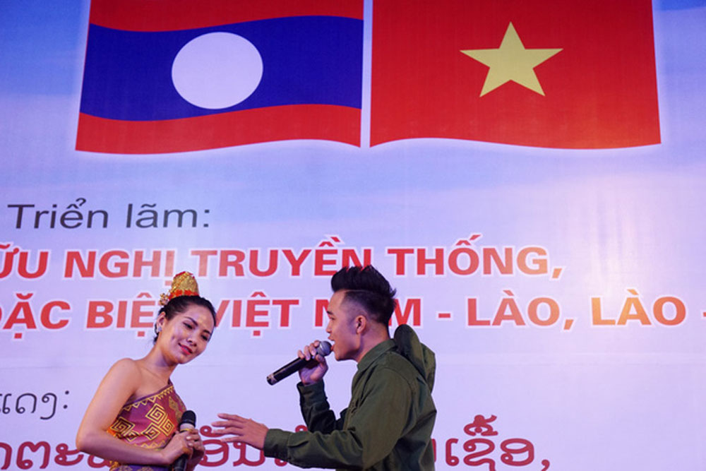 Literature, art works, Vietnam-Laos solidarity, fighting solidarity,  organizing board, literature work, time-honored relations, reliable relationship, award-winning works