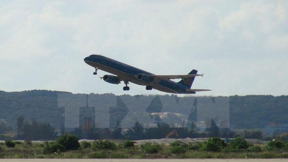 Hành khách tự ý mở cửa thoát hiểm, chuyến bay bị hoãn hơn 2 tiếng