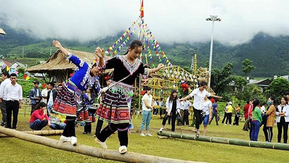 Mountainous village, community tourism, natural beauty, Si Thau Chai village, ideal tourist destination, primitive landscape, cultural values, tourist destination