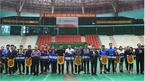 160 vận động viên tham dự giải cầu lông - quần vợt liên ngành