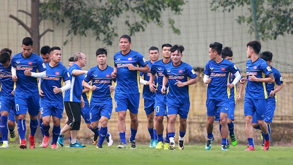 Vietnam squad trains ahead of Jordan match
