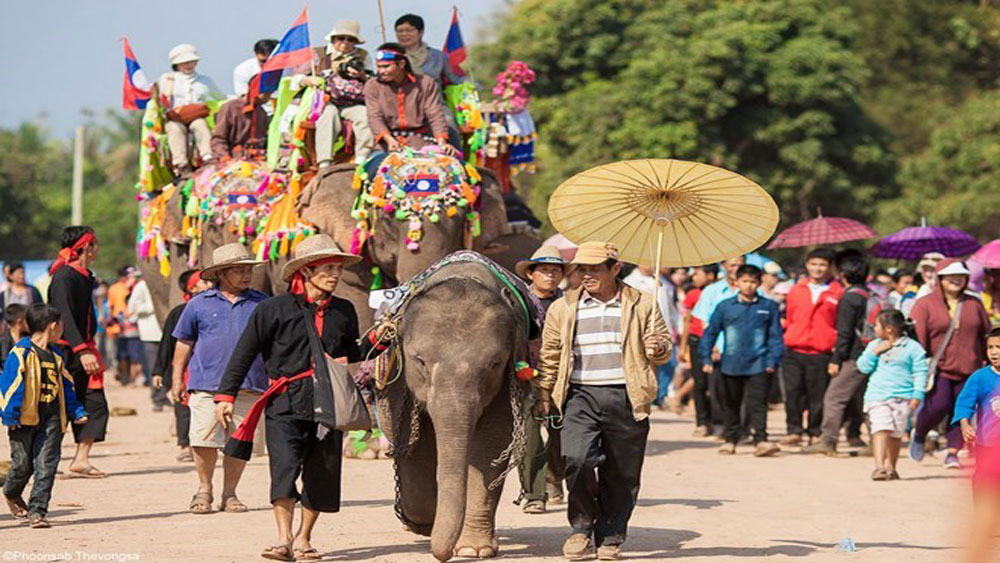 First Vietnam – Laos caravan tour launched in Hanoi