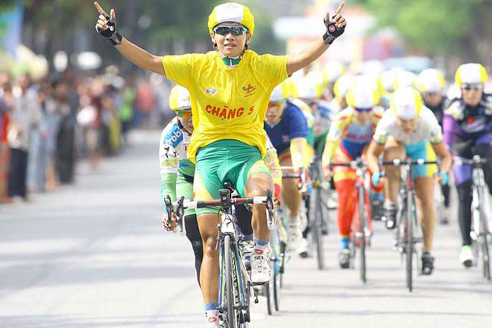 Vietnamese cyclist, Nguyen  Thi That, Grand-Prix Crevoisier, 2018, yellow jersey, cycling tournament, professional riders