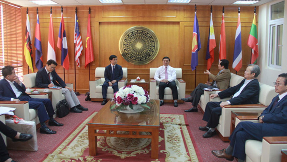Delegation from RoK's Incheon visits Bac Giang province