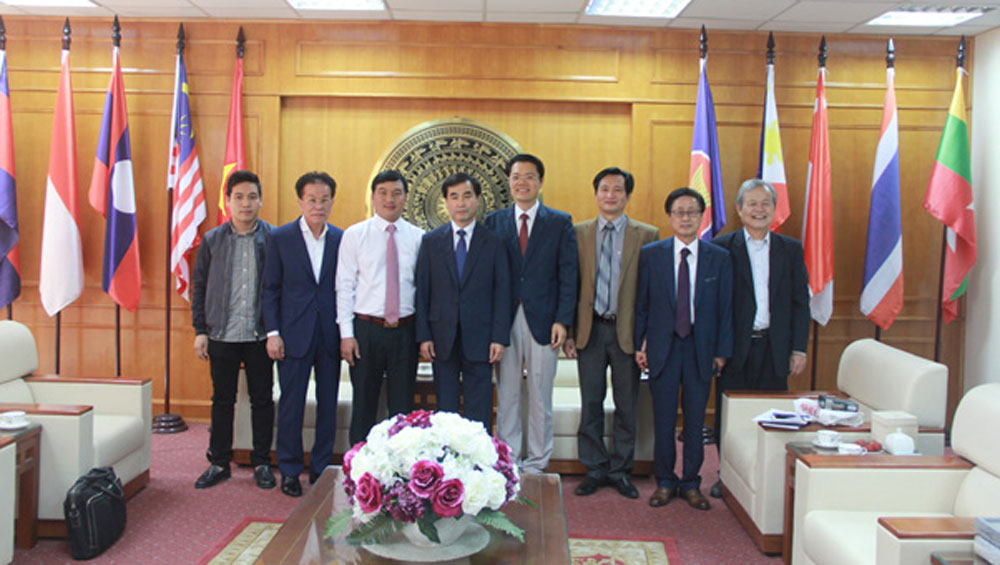 RoK, Incheon delegation, Bac Giang province, Department of Foreign Affairs, working session, total registered capital, garment-textiles, transport infrastructure