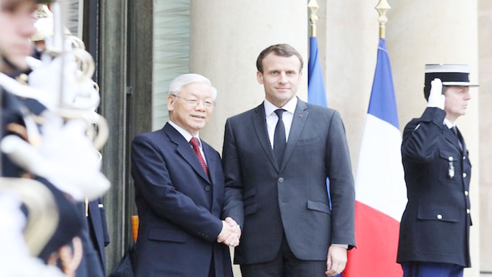 Vietnam, France pledge to strengthen strategic partnership