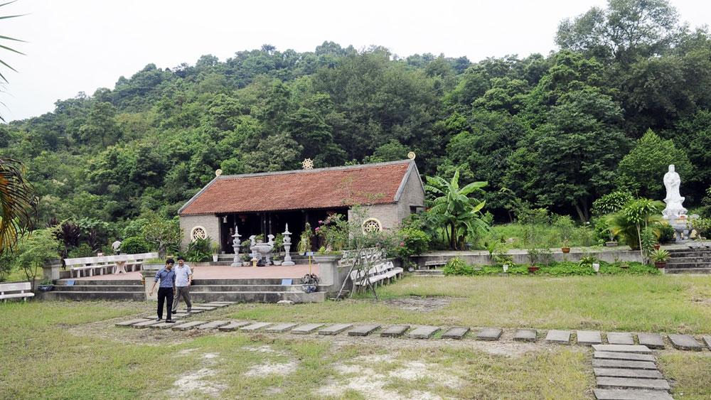 Huyền tích dấu chân Phật trên đá