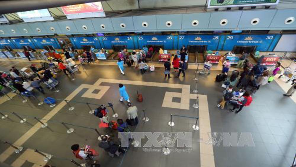 Vietnam Airlines lý giải việc tăng giá vé máy bay đối với trẻ em