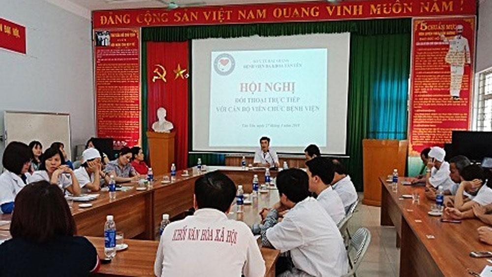 Ban Giám đốc Bệnh viện Đa khoa Tân Yên đối thoại với cán bộ, nhân viên