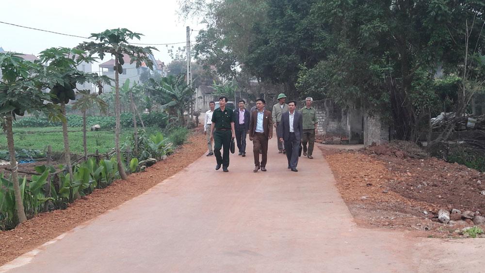 Cựu chiến binh góp hơn 430 tấn xi măng xây dựng nông thôn mới