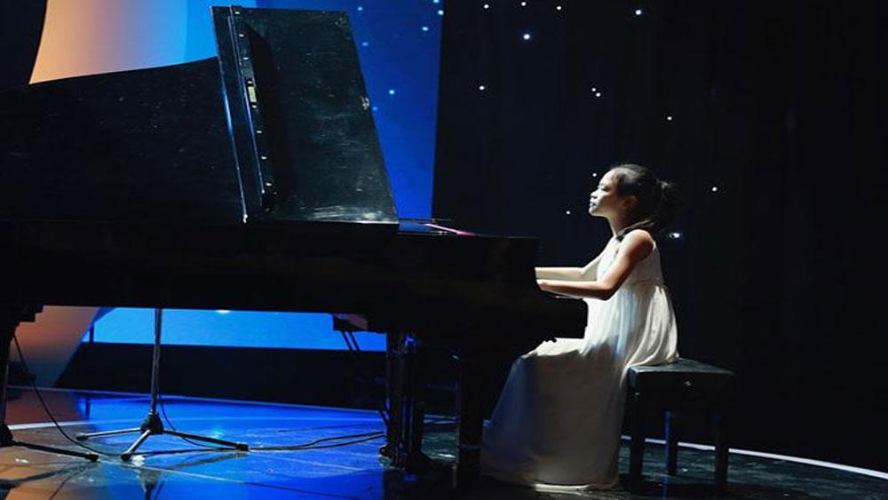 Trần Minh Châu để dương cầm lên tiếng