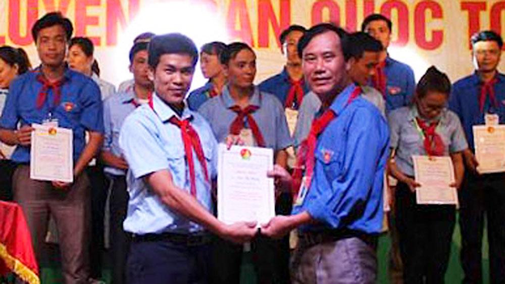 """Thầy giáo Nguyễn Văn Định: 21 năm làm """"Đội trưởng"""""""