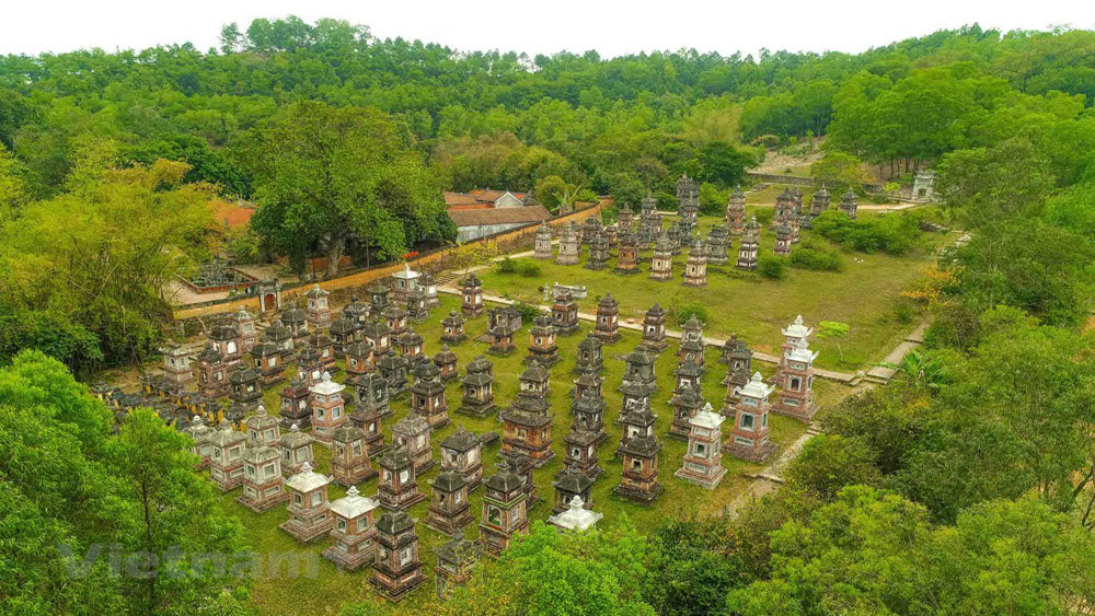 Stunning view, Bo Da ancient pagoda, Bac Giang province, Phuong Hoang mountain, Vietnamese ancient architecture,