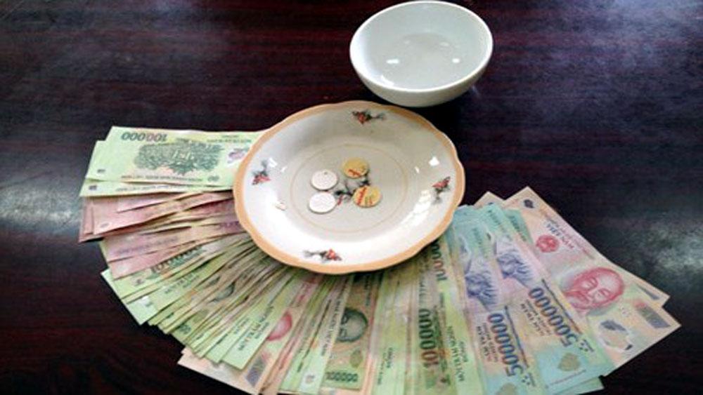 Công an huyện Lục Nam bắt 9 đối tượng đánh bạc, thu 122 triệu đồng