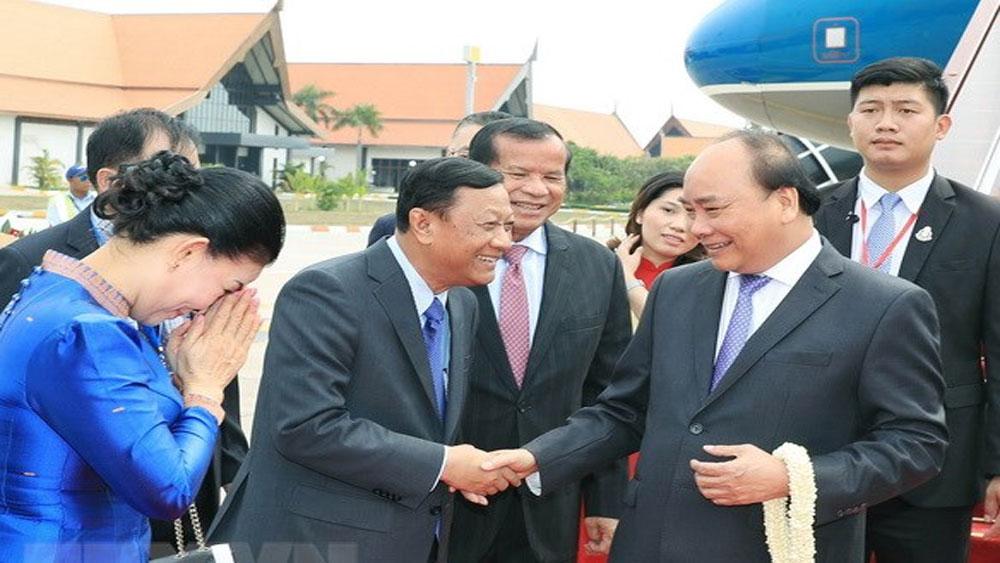 Thủ tướng bắt đầu chương trình dự Hội nghị cấp cao Ủy hội sông Mekong
