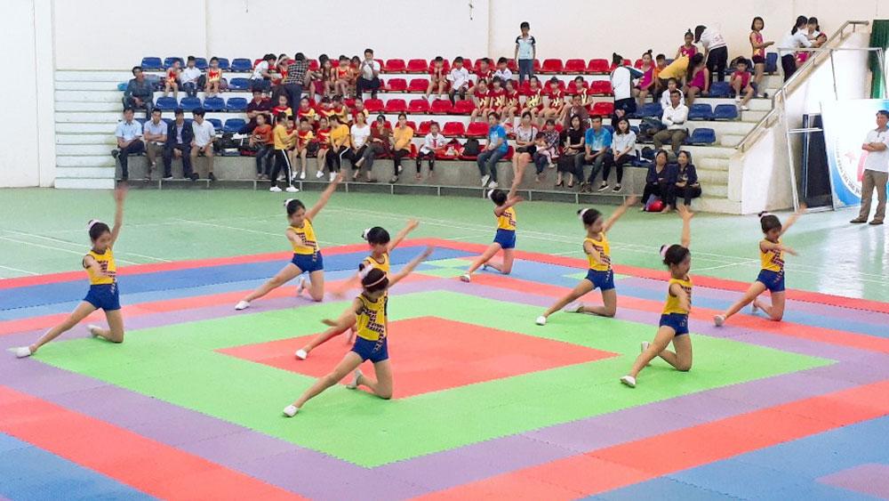 Lục Nam: Gần 1,4 nghìn học sinh tiểu học thi Aerobic