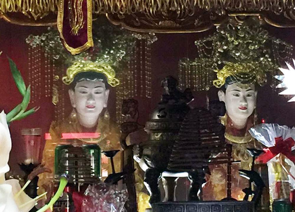 Nơi tưởng nhớ,  hai công chúa,  họ Trần, Đền Đa Mai