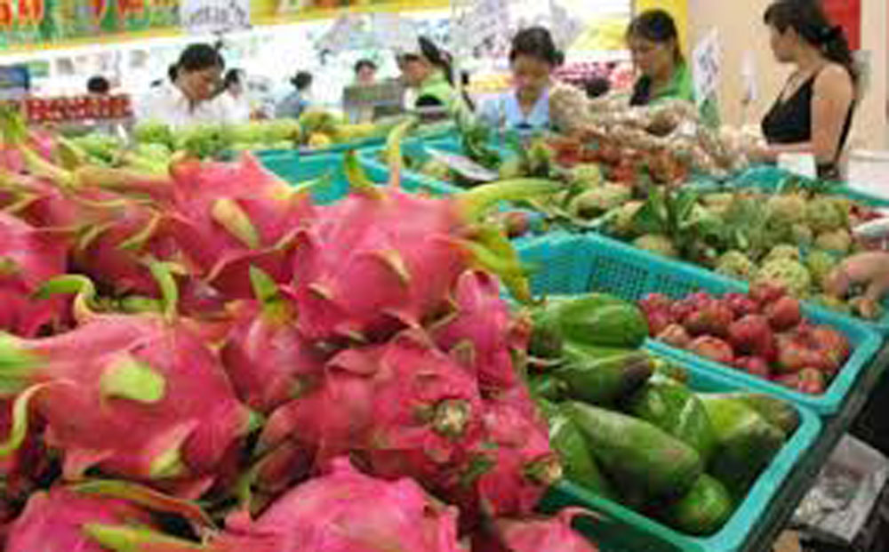 Vietnam's fruit, vegetable exports, Q1, top importers, annual surge, retail prices, domestic and overseas markets,  traditional markets