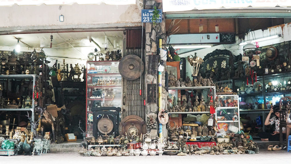 Walk into bygone days along this antique aisle of Saigon