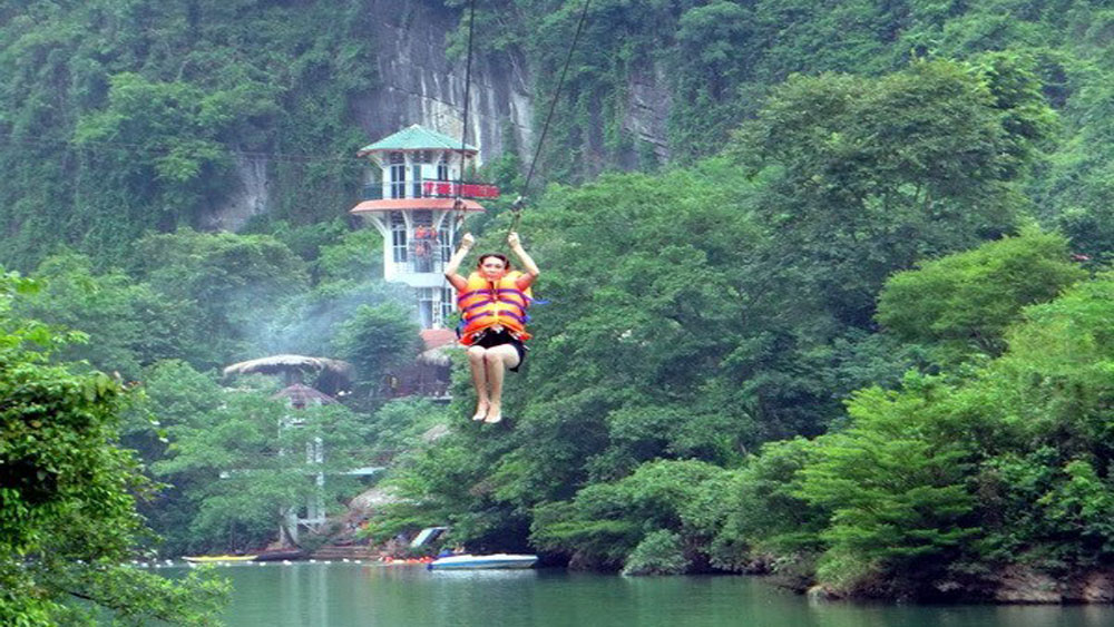 Quang Binh province targets 3.5 million tourists in 2018