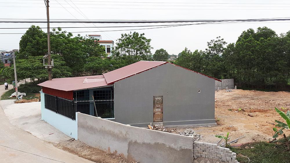 Xã Quang Châu, Việt Yên, thôn giao thầu đất trái thẩm quyền