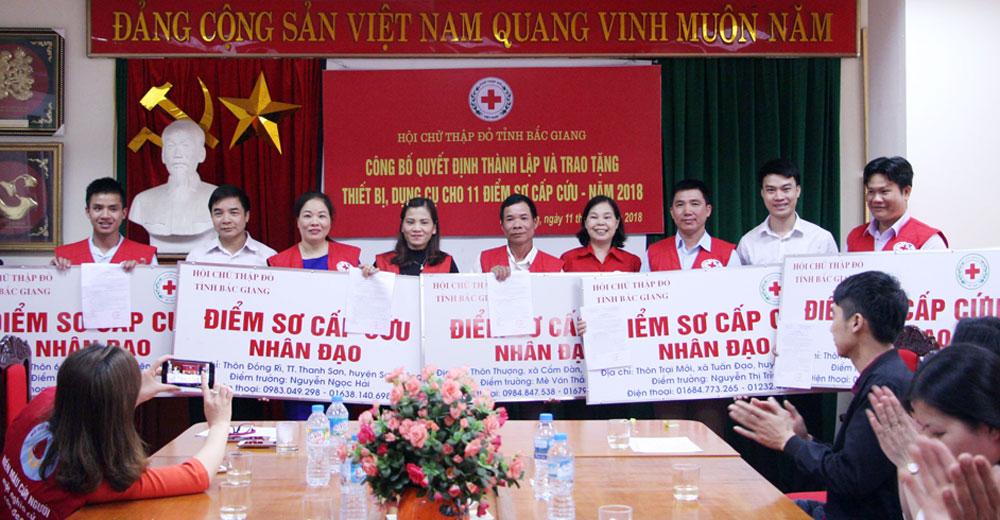Hội Chữ thập đỏ tỉnh , Trao quyết định,  thành lập,  dụng cụ,  11 điểm sơ cấp cứu