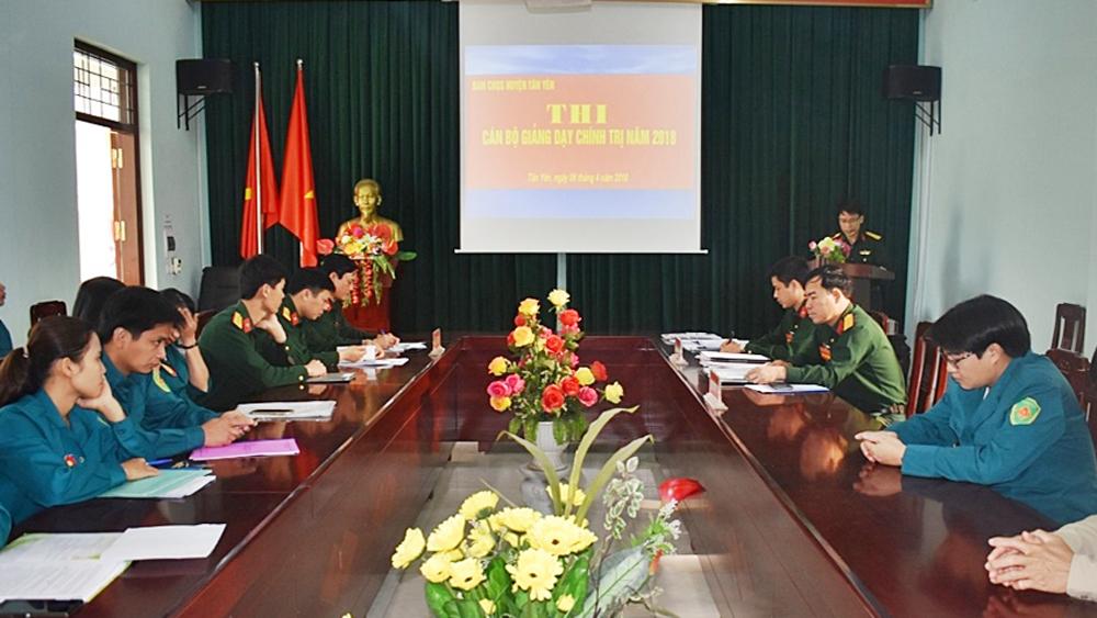 Ban CHQS huyện tổ chức thi cán bộ giảng dạy chính trị giỏi