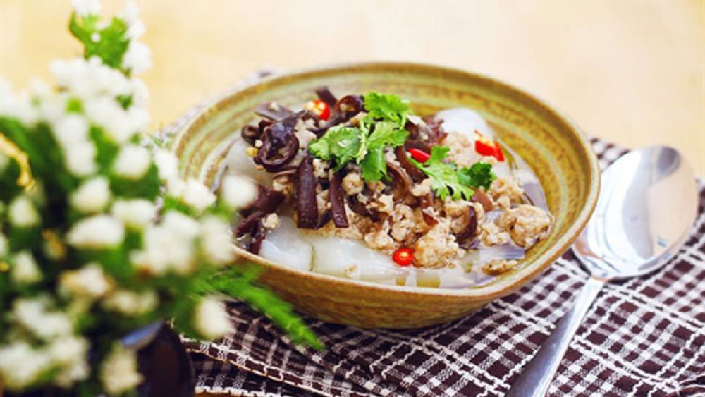 The rustic Vietnamese rice dish you may have never heard of
