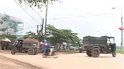 Việt Yên: Xe tự chế chở đất vô tư chạy trên đường