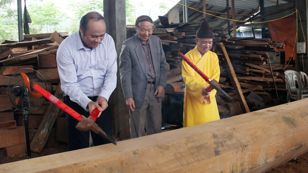 Phat moc ritual held to build Upper sanctuary of Tay Yen Tu's Lower pagoda