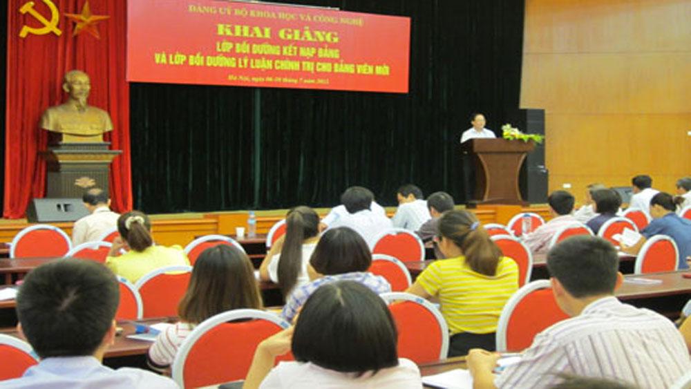Bồi dưỡng lý luận chính trị cho 125 đảng viên mới