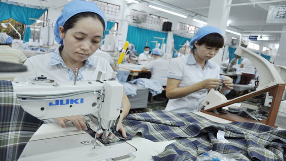 Industrial production value hits nearly 43 trillion VND