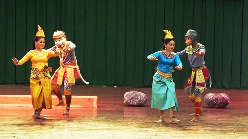 Robam dance – A unique genre of Khmer traditional theatre