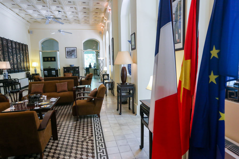 Antique treasures, century-old bulding, French building, heart of Saigon, architectural gem, rare antiques, French government