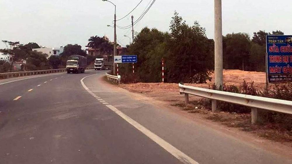Điểm hộ lan bị tháo dỡ tại lối vào Công ty Chiến Đại Thắng ở thôn Tân Văn 3, xã Tân Dĩnh (Lạng Giang).