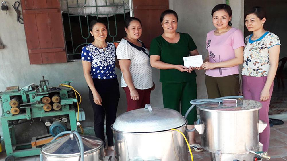 Hội viên phụ nữ giúp nhau thoát nghèo
