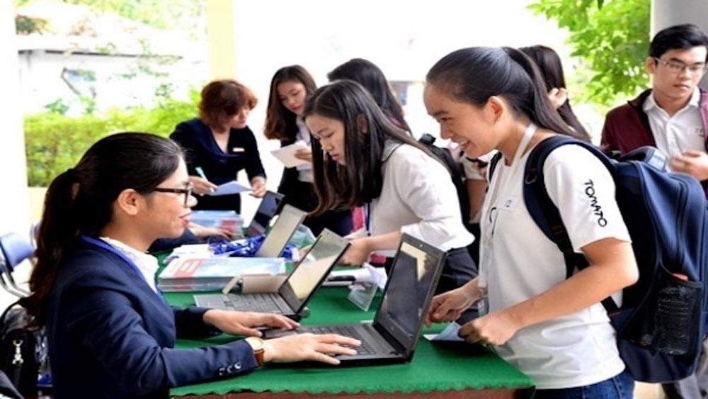 Tuyển sinh 2018: Hồ sơ nộp vào nhiều trường tăng nhẹ