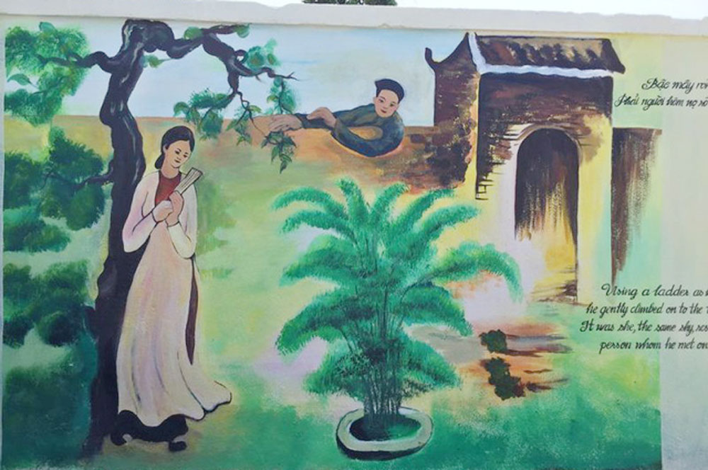 Tale of Kieu, village walls, Ha Tinh province, innovative way, murals depicting figures, bilingual inscription, foreign visitors, top literary work