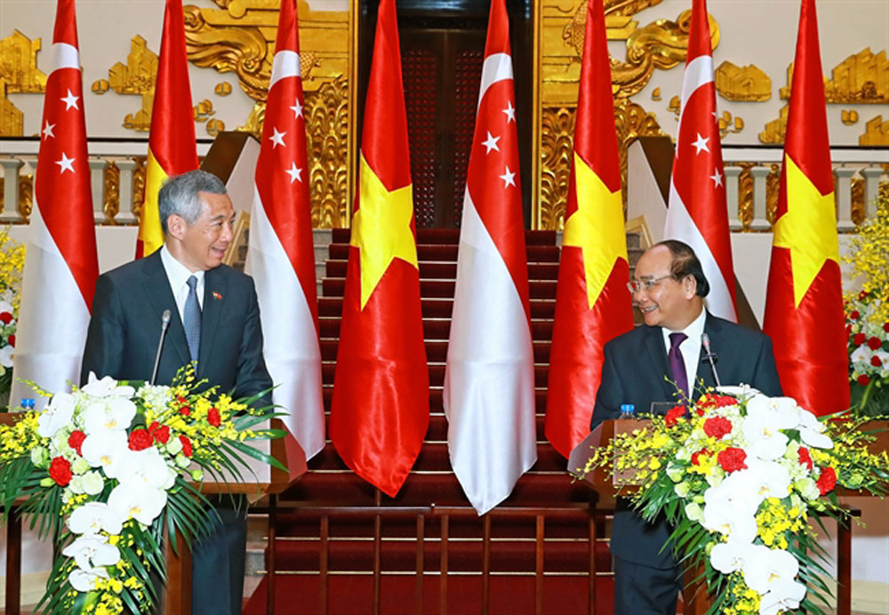 Vietnam, Singapore, thriving relations, Vietnamese Prime Minister, Nguyen Xuan Phuc, President Halimah Yacob, Lee Hsien Loong,  vigorous growth, strategic partnership